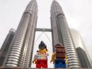 Admiring the impressive Petronas Twin Towers